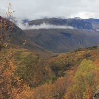 Laaksoa Kilpisjärven ja Skibothnin välillä