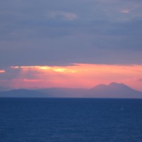 Auringonnousu Korintinlahdella Kreikassa